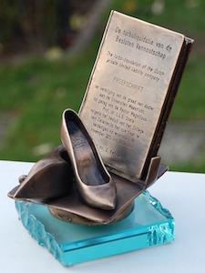 117 brons boek dicht 300h